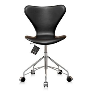NY Arne Jacobsen 3117 Classic Sort Semi Anilin
