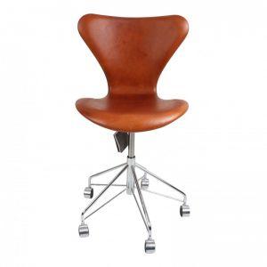 Ny! Arne Jacobsen 3117 Alaska Cognac Anillin