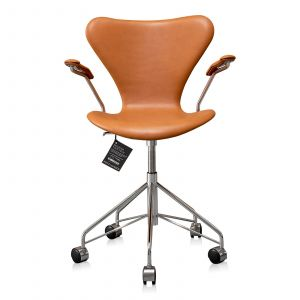 Ny! Arne Jacobsen 3217 Classic Cognac