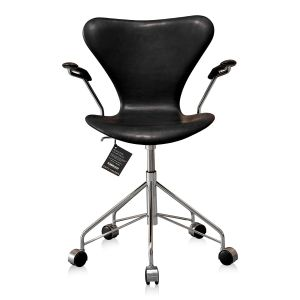 NY Arne Jacobsen 3217 Vacona Sort Anilin