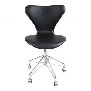 Ny! Arne Jacobsen 3117 Alaska Sort Anillin