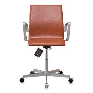 NY Arne Jacobsen Oxford kontorstol med lav ryg Classic Brandy