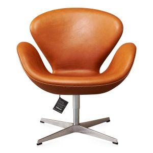 NY Arne Jacobsen Svanen Elegance Walnut anilin